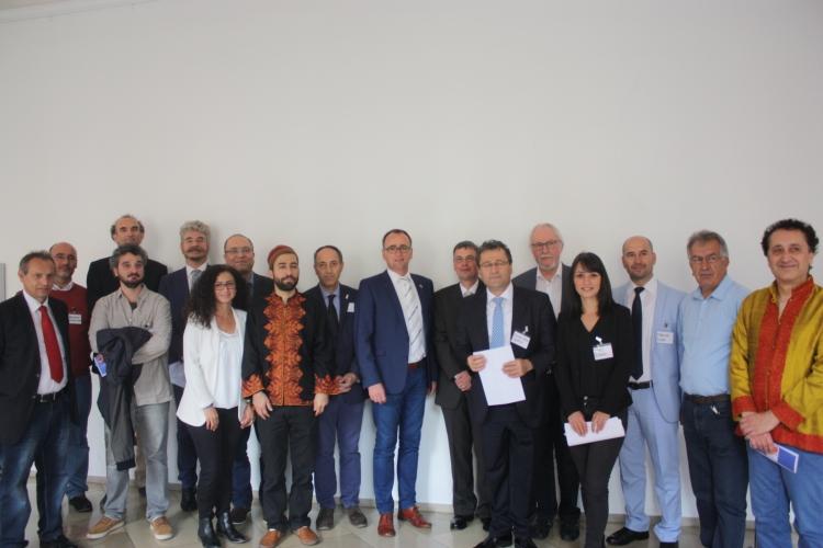 1. Internationales Symposium zum Alevitentum an der PH Weingarten.